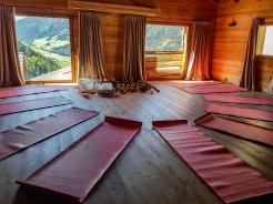 Notre salle de détente avec vue sur la vallée © Nadine Wick
